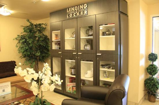 Candlewood Suites Olympia/Lacey: LOVE THE LENDING LOCKER
