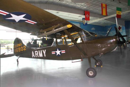 "Fargo Air Museum: Piper ""Grasshopper"""
