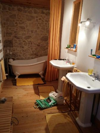 Les Logis de Lestiac: Winter room bathroom