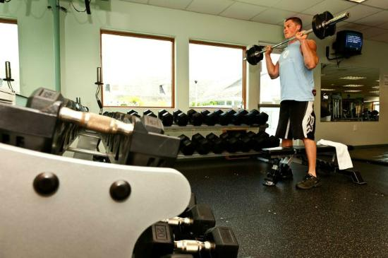 Spa Koru: Gym with cardio machines, weight machines, free weights, and group fitness