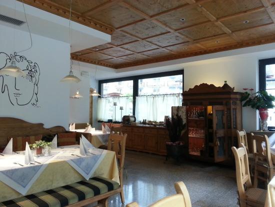 Bar Ristorante Pizzeria Scoiattolo : inside