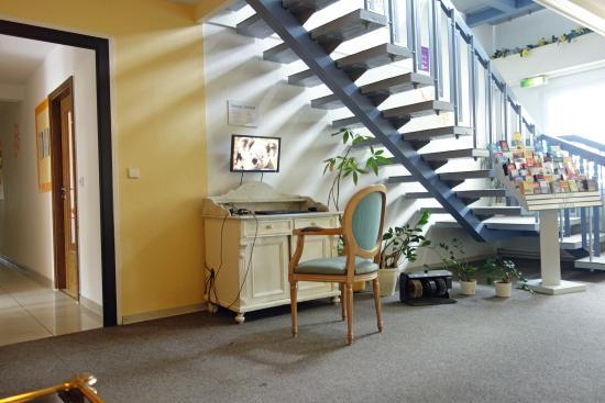 Hotel B1: internet access for free for all who have no laptop