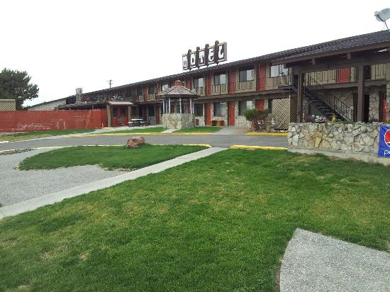 Richland Inn and suites : Knights Inn Richland