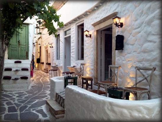 Old Town Like Home - Εικόνα του Like Home Bar - Naxos, Νάξος ...