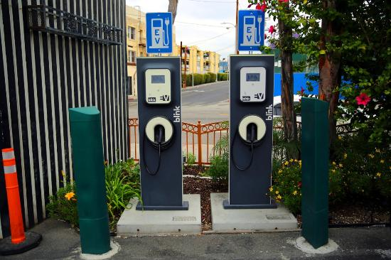 Hotel Solaire Los Angeles: carregar carro eletrico