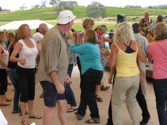 Grass Valley, CA: People having fun on the dance floor