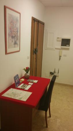 ingresso e hall del B&B Picture of IL Tacco Dello Stivale