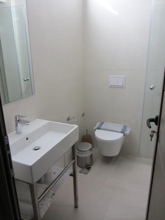 Hotel Splanzia: baño