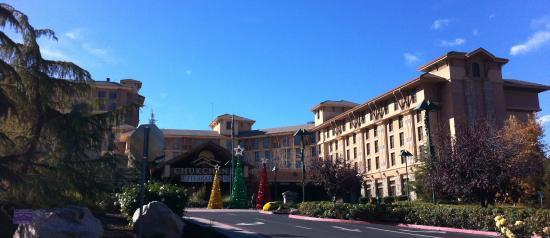 Coarsegold, CA: Entrance at Christmas