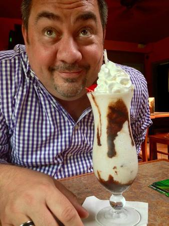 Banana Cafe & Piano Bar: Mounds Bar adult milkshake!