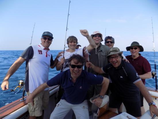 Grupos De Amigos En Marbella Fotografía De Red Tide Charter Puerto