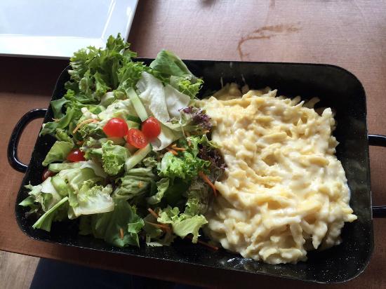 Mauritius Villingen Schwenningen: Käsespätzle Mit Salat