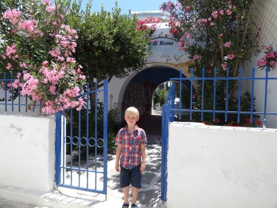 Casa di Roma: Indgangen fra den lille gade