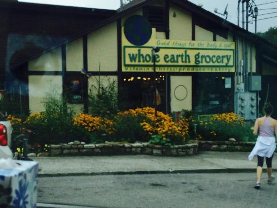 Whole Earth Grocery Cafe: Whole earth grocery gatlinburg