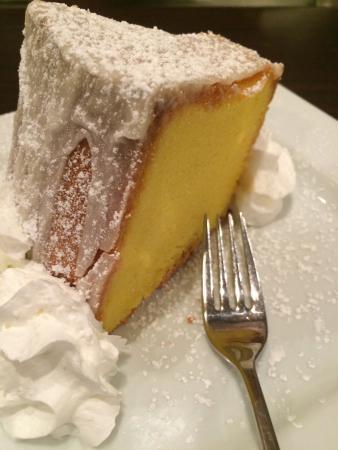 Dhat Island: Amazing desserts!