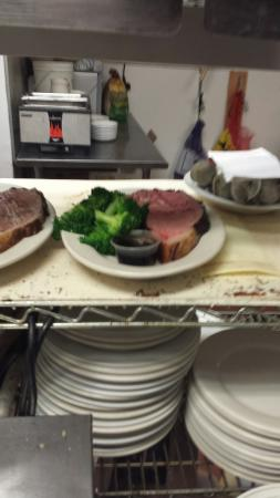 Spooners Bar and Grille: Prime Rib