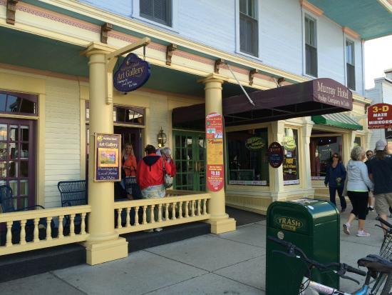Murray Hotel Lunch & Dinner Buffet: outside of Murrays