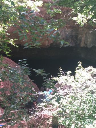 Alabaster Caverns State Park: Entrance of caverns