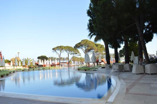 Cornelia De Luxe Resort: pool view