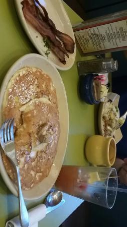 Snooze: Pineapple upside down pancakes yum