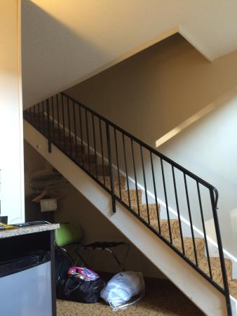 Peek'n Peak Resort and Spa: Suite room staircase