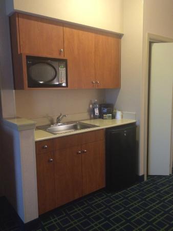 Fairfield Inn & Suites Napa American Canyon : kitchenette