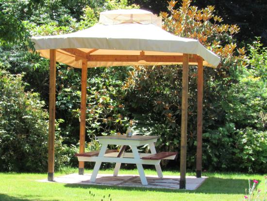 The Bluff on Whidbey: Picnic Gazebo