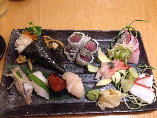 Suzuki's Sushi Bar: Sushi mixed platter