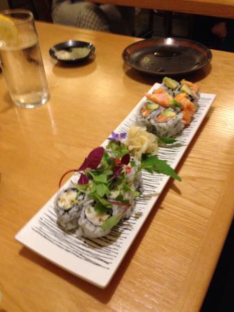 Suzuki's Sushi Bar: Sushi combo rolls