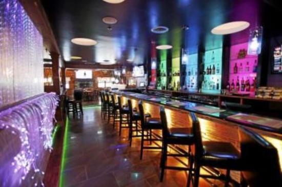 Pittsfield, MA: New Da'Koto Bar