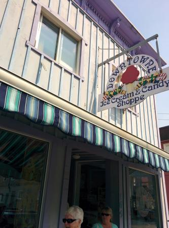 Downtowne Ice Cream Shoppe