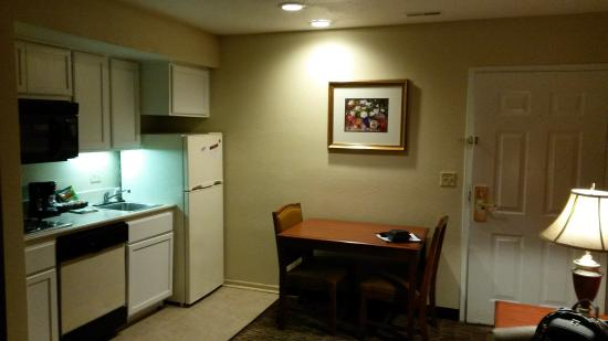 Suburban Extended Stay Hotel Omaha Kitchen Dining
