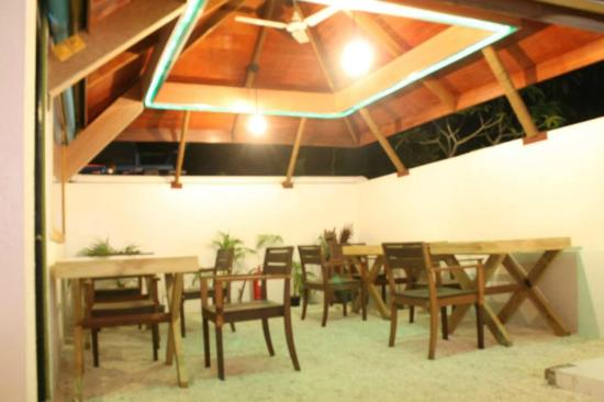 Royal Inn Guraidhoo