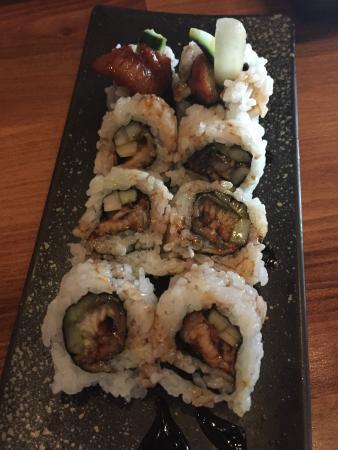 AMI Japanese Restaurant: Eel Roll