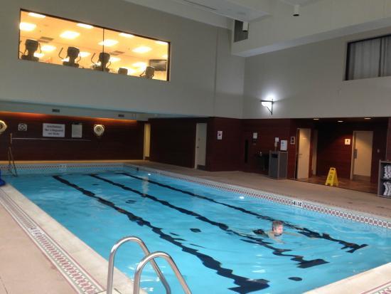 Sheraton Suites Akron Cuyahoga Falls: enjoyable pool
