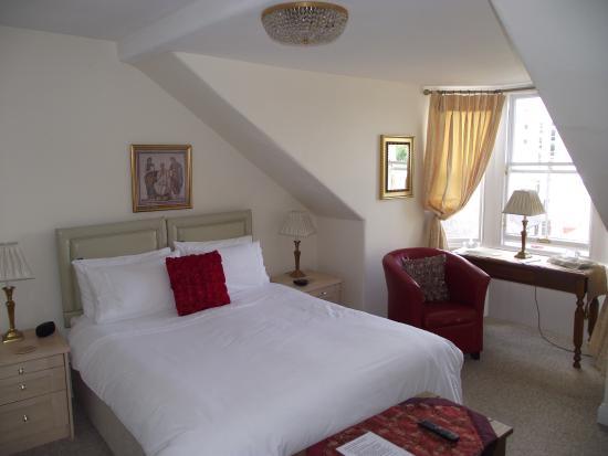 Glendevon Bed & Breakfast: Our room No 3