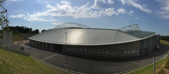 American Express Community Stadium : Panoramica esterna dell'AmEx Stadium