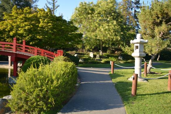 Japanese Friendship Garden: Walking Path Way