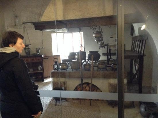 Gli interni (cucina di servizio - Foto di Castel Thun, Ton - TripAdvisor