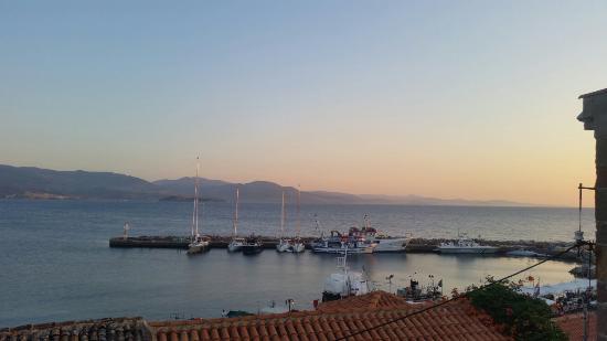 Galliano: Uitzicht op de haven vanop het dakterras