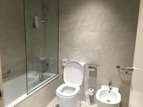 kit salle de bain pour hotel chambre pour 4 bild von hotel sb - Kit Salle De Bain Pour Hotel