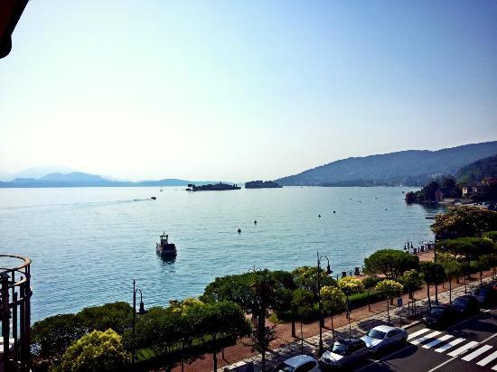 Hotel Beau Rivage: Side Balcony