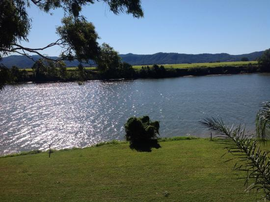 Tweed River Motel: Fishing is good for all ages we are told