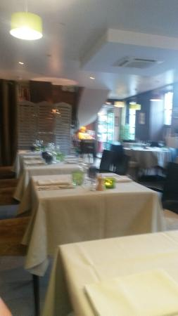 Le Manege: Restaurant