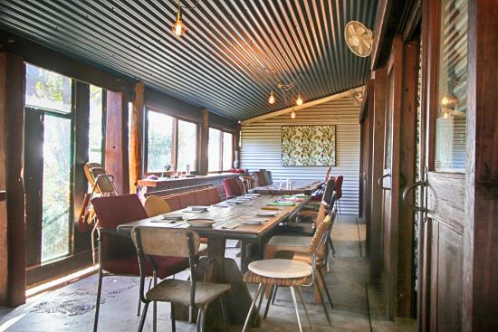 Taylor's Cafe : Inside Dining