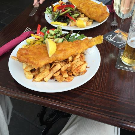 The Old Court Hotel: Especially tasty fish & chips lunch!