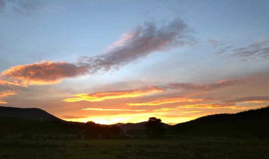 Duffy's Country Accommodation : Sunrise