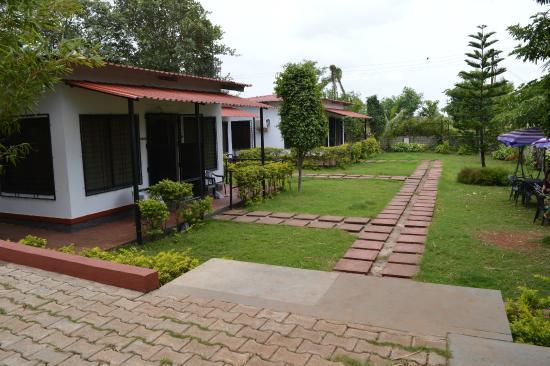 Balaji Resorts, Velhe Pune: cottages