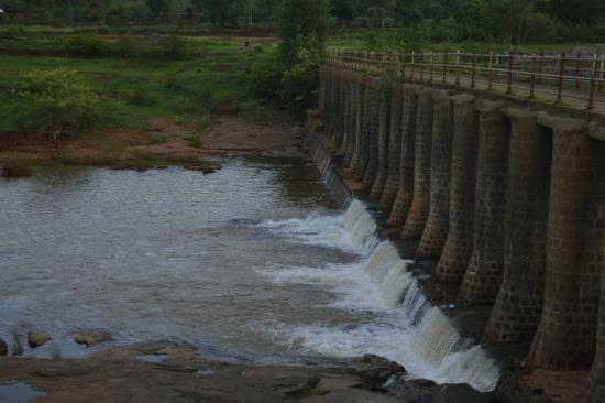 Balaji Resorts, Velhe Pune : river