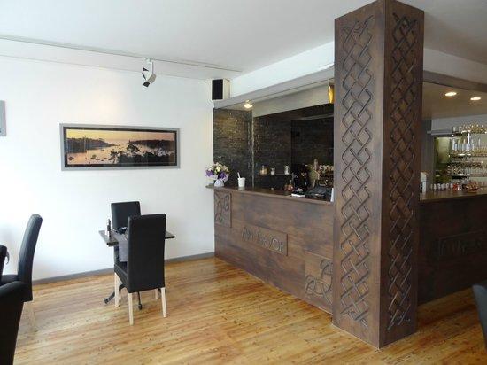 Creperie An Arvor: Merci à notre artisan pour ce magnifique bar :)